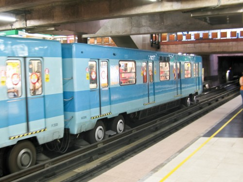 Santiago's Metro trains - run on rubber wheels!