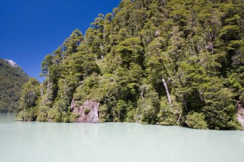Lago Frias - the emerald lake